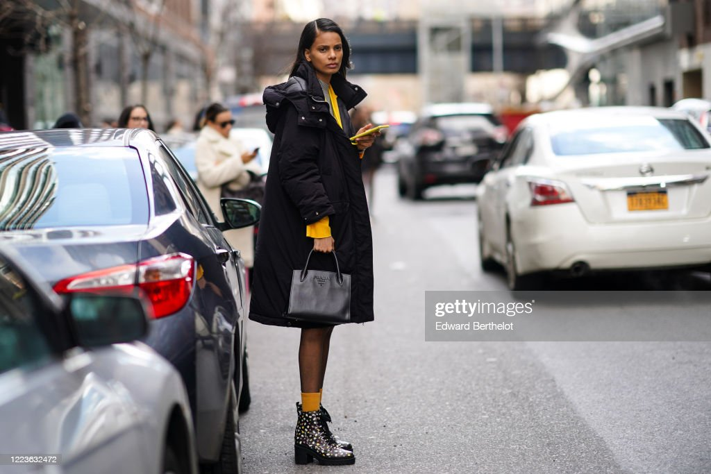 Street Style - Day 3 - New York Fashion Week February 2020 : Photo d'actualité
