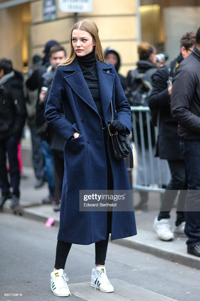 Street Style : Day Four - Paris Fashion Week- Haute Couture Spring Summer 2017 : News Photo