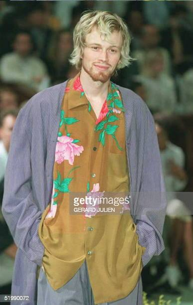 Model wears an outfit by Japanaese dessigner Yohji Yamamoto during the presentation of ready-to-wear men's Spring-Summer 1996 collections at the...