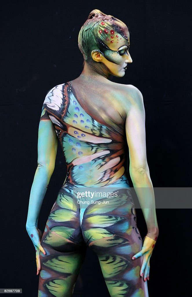 A Model Wears Body Art By Jinny Houle Of Canada During The 2008 World News Photo Getty Images