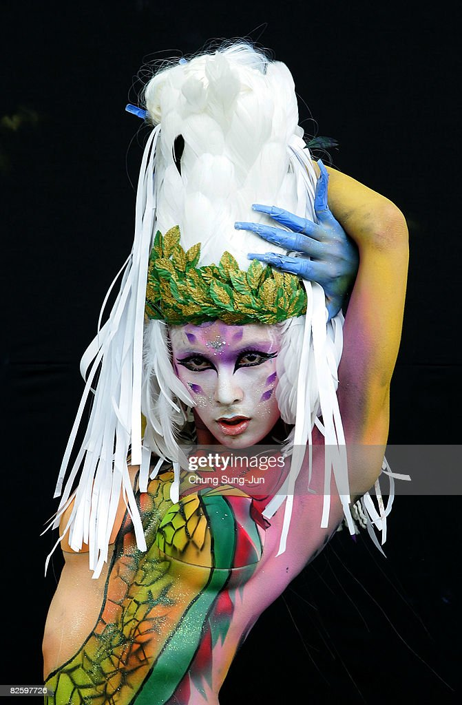 A Model Wears Body Art By Lee Joo Ri Of South Korea During The 2008 News Photo Getty Images