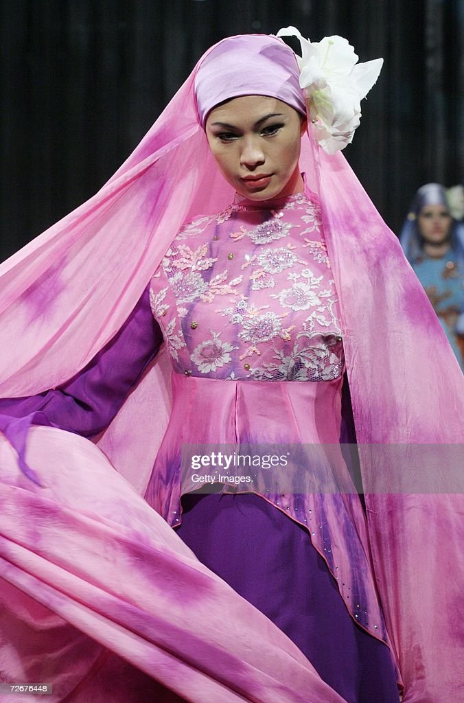 A model wears Kapas Couture at the Islamic Fashion Festival on the third day of Malaysian-International Fashion Week at the Kuala Lumpur Convention Centre on November 25, 2006 in Kuala Lumpur, Malaysia.
