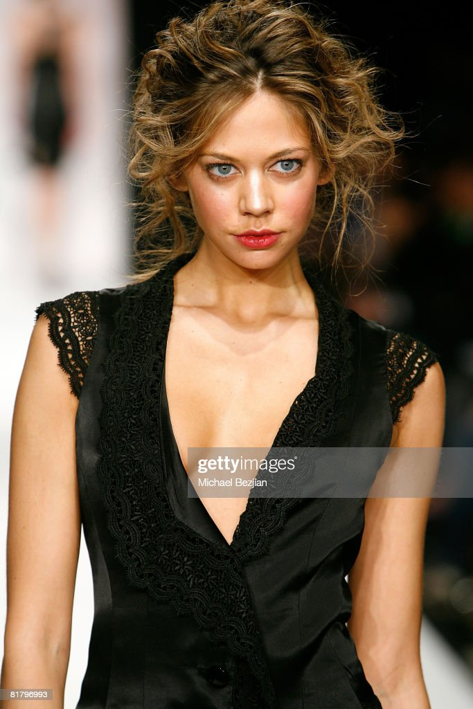 Mercedes-Benz Fall 2008 L.A. Fashion Week at Smashbox Studios - Kelly Nishimoto Imasu Collection : News Photo