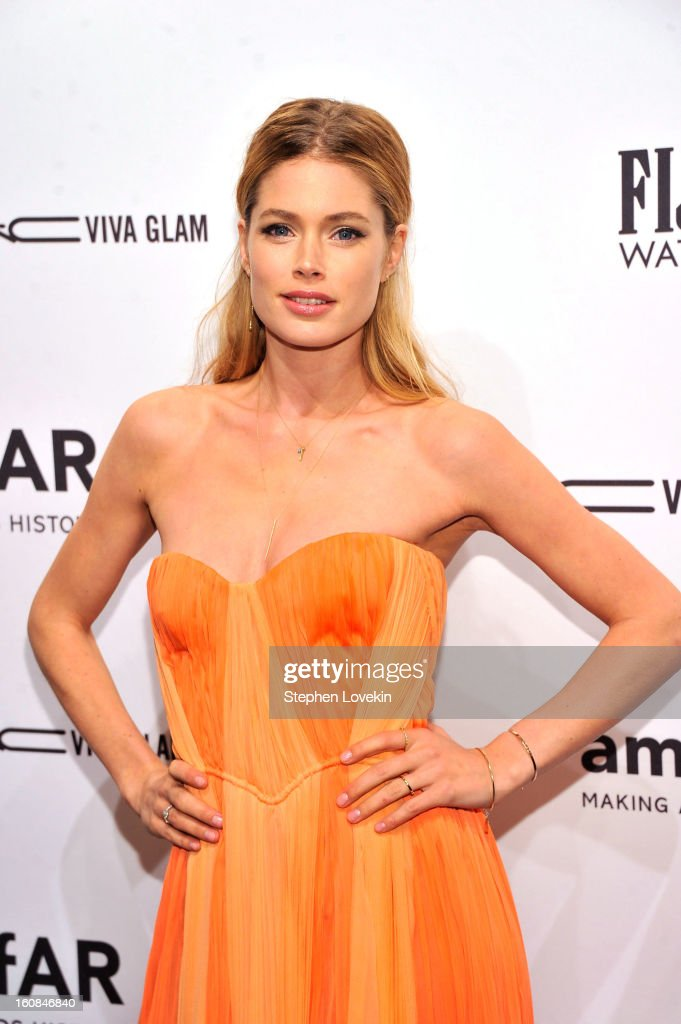 Model/Actress Doutzen Kroes attends the amfAR New York Gala to kick off Fall 2013 Fashion Week at Cipriani Wall Street on February 6, 2013 in New York City.