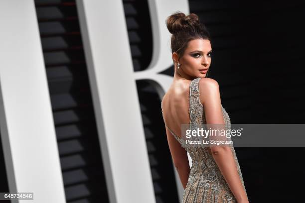 Modelactress Emily Ratajkowski attends the 2017 Vanity Fair Oscar Party hosted by Graydon Carter at Wallis Annenberg Center for the Performing Arts...