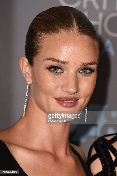 Model/actress Rosie HuntingtonWhiteley poses in the press room during the 21st Annual Critics' Choice Awards at Barker Hangar on January 17 2016 in...