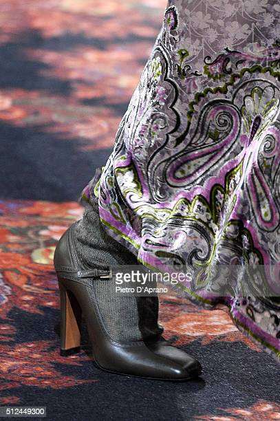 A modelfashion detail walks the runway at the Etro show during Milan Fashion Week Fall/Winter 2016/17 on February 26 2016 in Milan Italy
