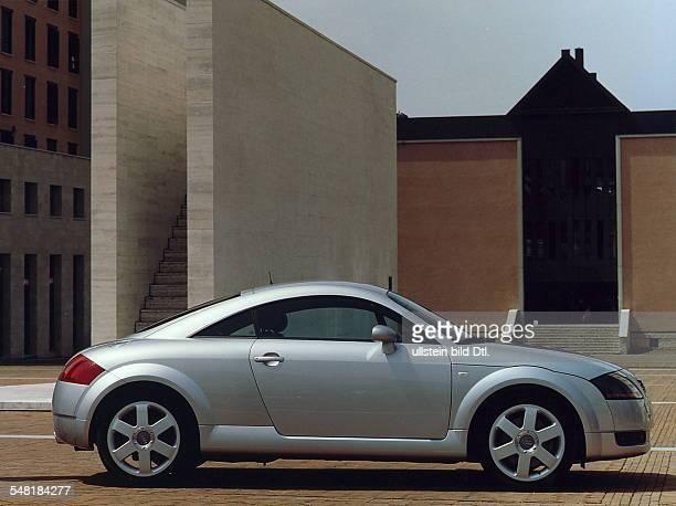 Modell des Sportwagen 'TT' Coupe quattro 165 kw Werksfoto Audi 1998