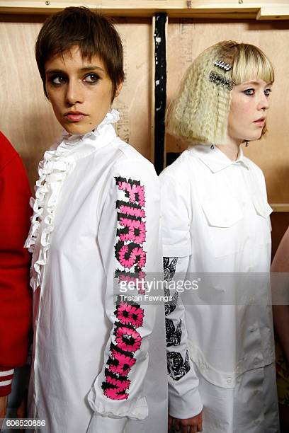 Models are seen backstage ahead of the Ashley Williams runway show during London Fashion Week Spring/Summer collections 2017 on September 16 2016 in...