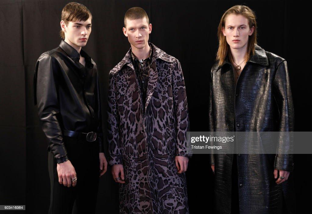 Roberto Cavalli - Backstage - Milan Fashion Week Fall/Winter 2018/19 : ニュース写真