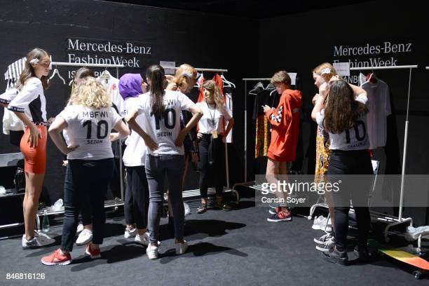 Models backstage ahead of the DB Berdan show during MercedesBenz Istanbul Fashion Week September 2017 at Zorlu Center on September 14 2017 in...