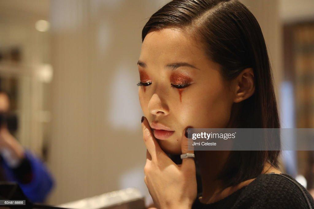 Christian Siriano - Backstage - February 2017 - New York Fashion Week : News Photo