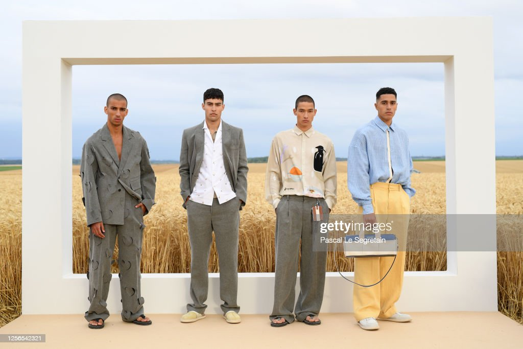 """""""L'Amour"""" : Jacquemus Spring-Summer 2021 : First Line : ニュース写真"""