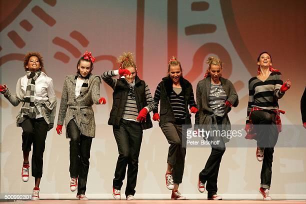 """Models der """"Gerry Weber""""- Modenschau , Abschlußfeier zu den 15. """"Gerry Weber Open"""", Halle, Westfalen, Nordrhein-Westfalen, Deutschland, Europa, ATP..."""