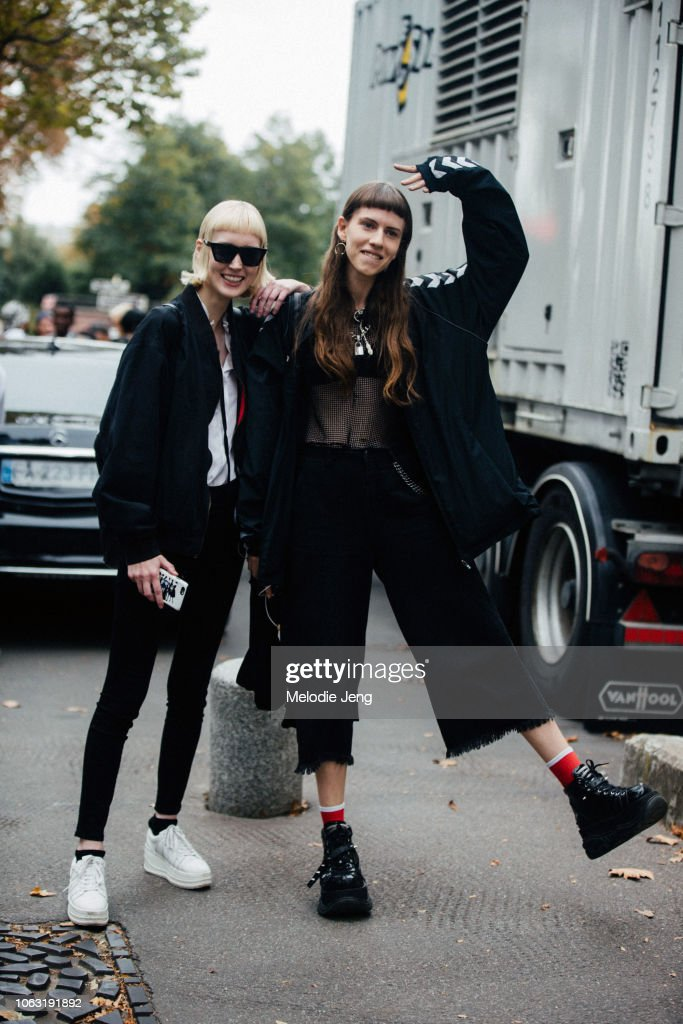 Models Halo Berge, Dasha Shevik in all black after the Miu Miu show