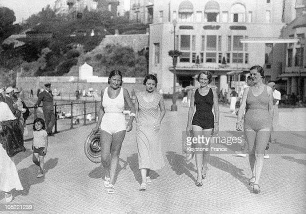 Models In Bathing Suits On The Dyke 19301935