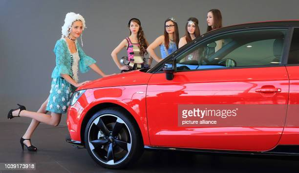 Models Joanne Josephine Johanna Nina and Kira present styles from the School for Fashion and Design at a press meeting in Magdeburg Germany 14...