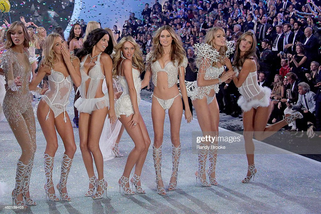 2013 Victoria's Secret Fashion Show - Show : News Photo
