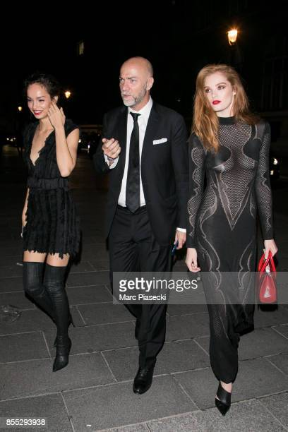Models Luma Grothe and Alexina Graham arrive to attend the 'L'Oreal Paris X Balmain' party on September 28 2017 in Paris France
