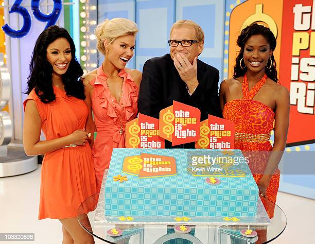 Models Manuela Arbelaez Rachel Reynolds host Drew Carey and model Lanisha Cole appear onstage at the taping of the 39th season premiere of The Price...