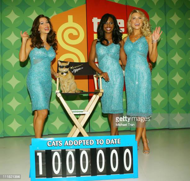 """Models of """"The Price is Right"""" Brandi Sherwood, Lanisha Cole and Rachel Reynolds pose with """"9Lives icon Morris the Cat"""" to kickoff a video contest..."""
