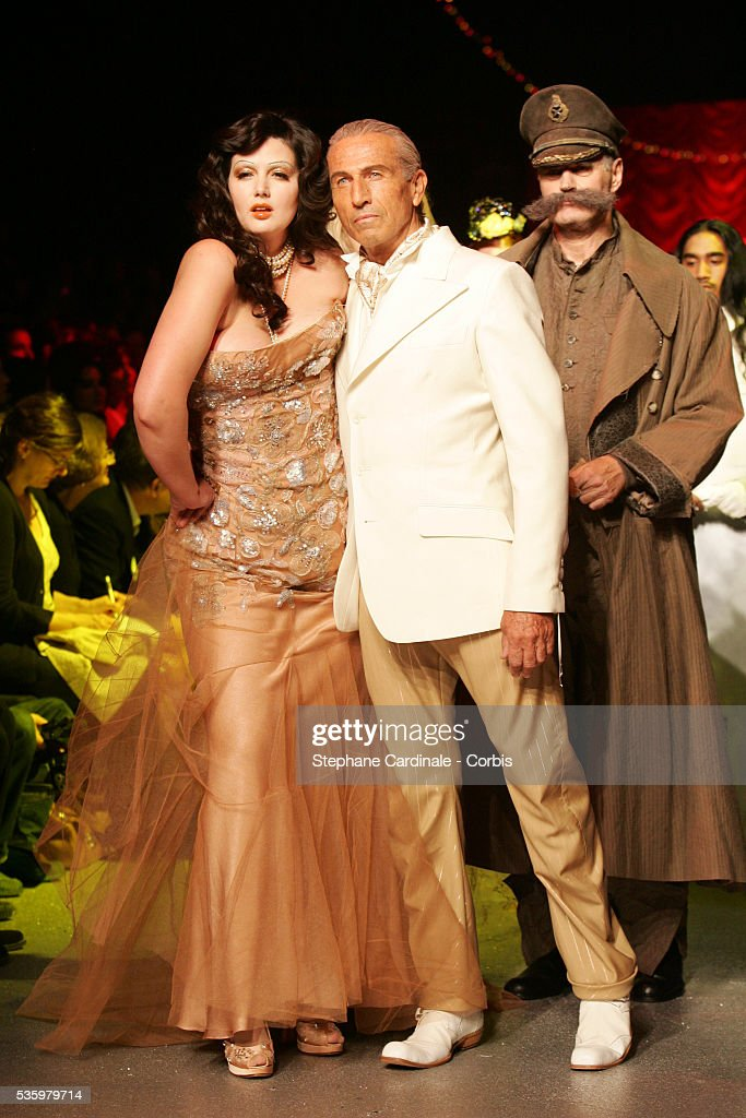 Models on the catwalk at the 'John Galliano ready-to-wear spring-summer 2006 collection' fashion show.