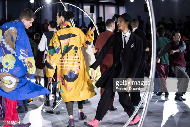 Models perform on the runway during the Issey Miyake Men Menswear Fall/Winter 2020-2021 show as part of Paris Fashion Week on January 16, 2020 in...