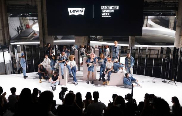 DEU: Levi's - ABOUT YOU Fashion Week Autumn/Winter 21