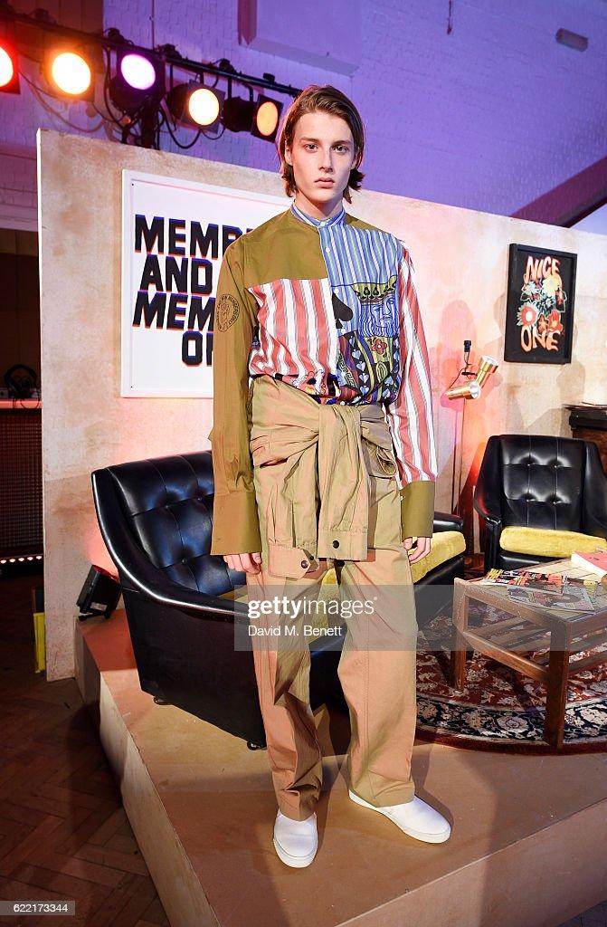 Stella McCartney Menswear Launch and Women's Spring 2017 Collection Presentation : ニュース写真