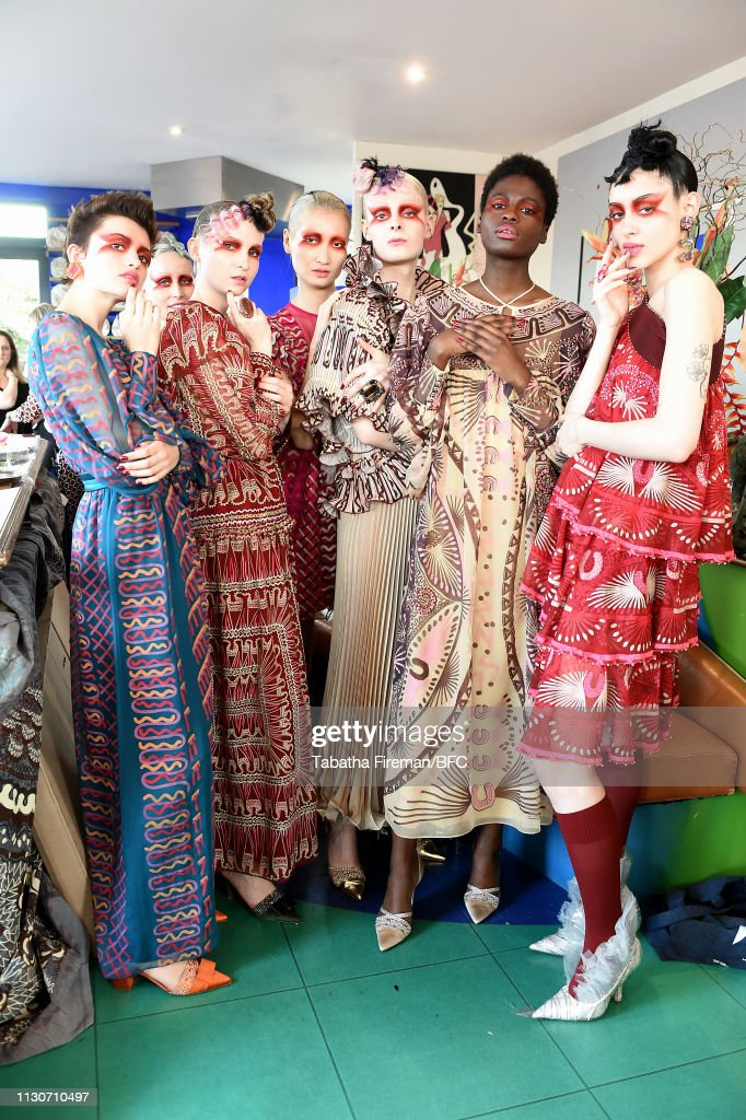 GBR: Zandra Rhodes - Backstage - LFW February 2019