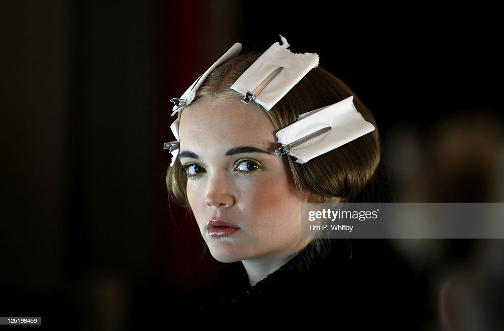 Corrie Nielsen Backstage - LFW Spring/Summer 2012 : News Photo