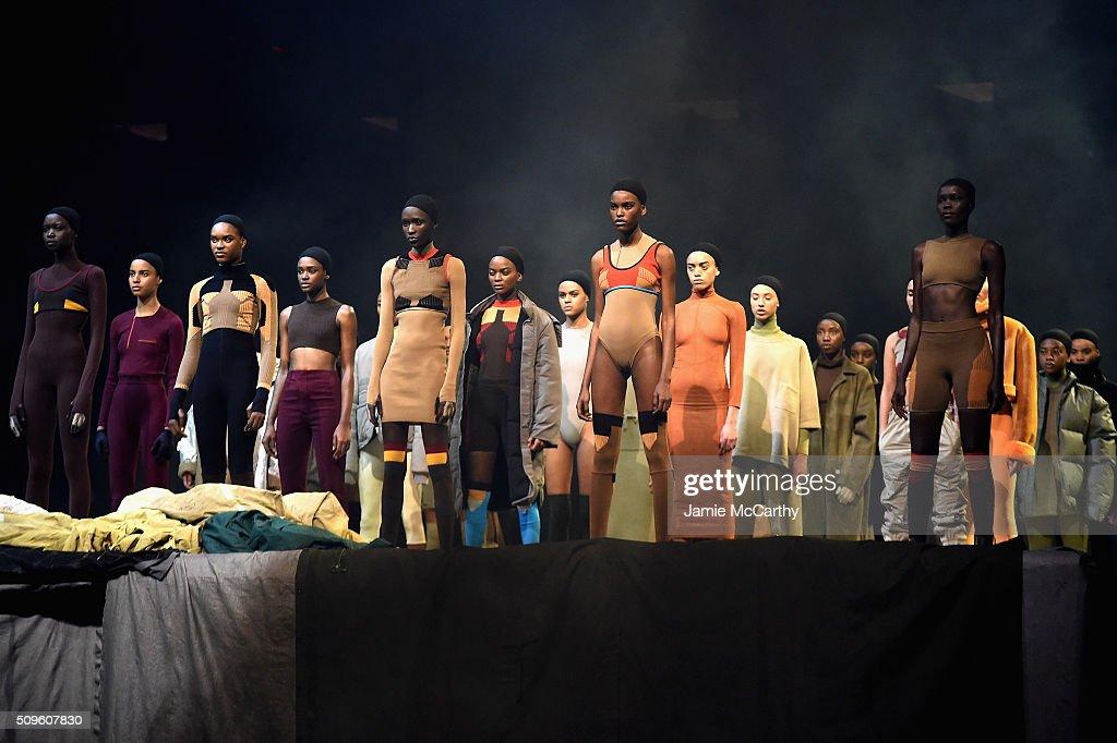 Kanye West Yeezy Season 3 - Runway : News Photo