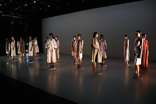 Tome presentation mercedes benz fashion week spring for Where do models live in nyc