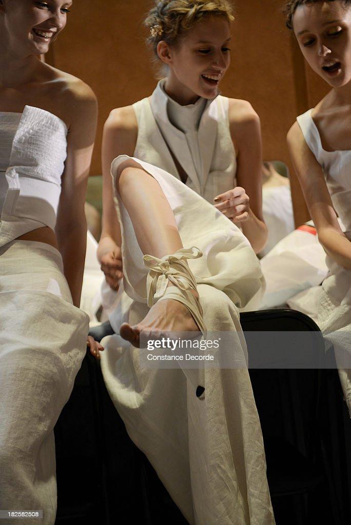 Fatima Lopes : Backstage - Paris Fashion Week Womenswear  Spring/Summer 2014 : Nachrichtenfoto
