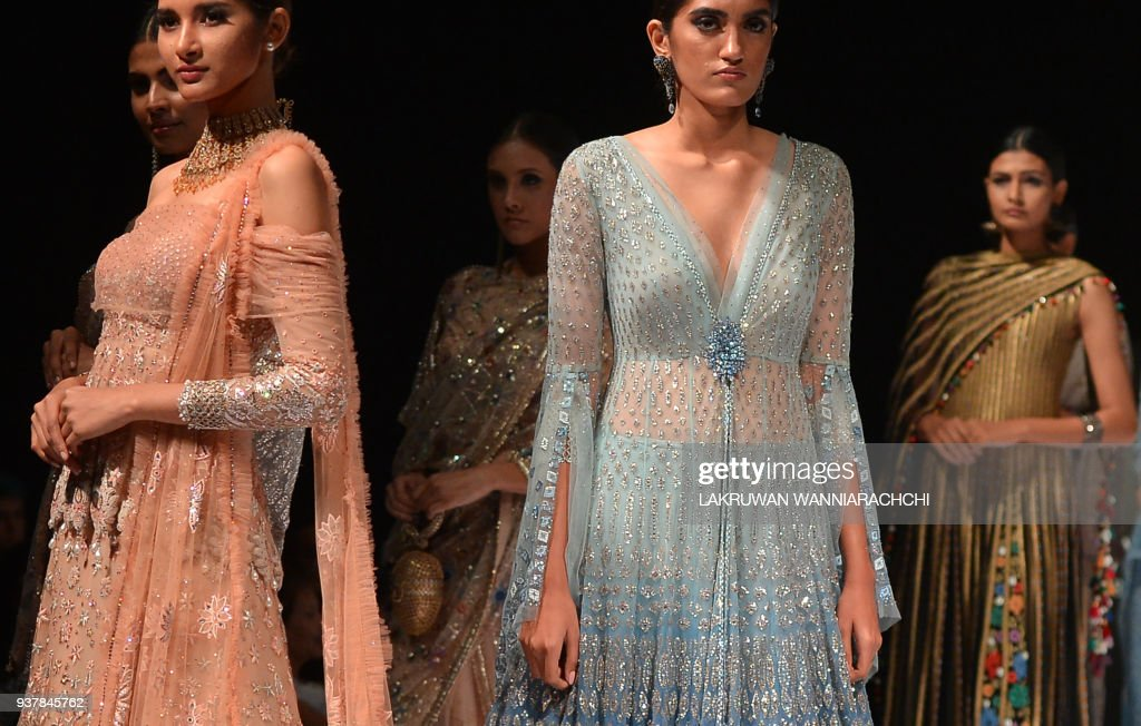 Models Present Creations By Indian Fashion Designer Tarun Tahiliani News Photo Getty Images