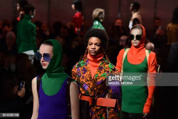 Models present creations by Marni during the women's Fall/Winter 2018/2019 collection fashion show in Milan on February 25 2018 / AFP PHOTO / Miguel...