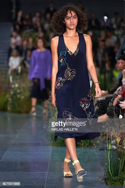 Models present creations by Paul Smith during the 2017 Spring / Summer catwalk show at London Fashion Week in London on September 18 2016 / AFP /...
