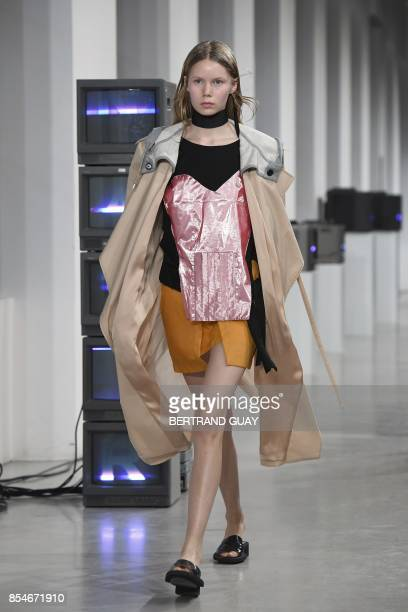 Models present creations for Aalto during the women's 2018 Spring/Summer readytowear collection fashion show in Paris on September 27 2017 / AFP...