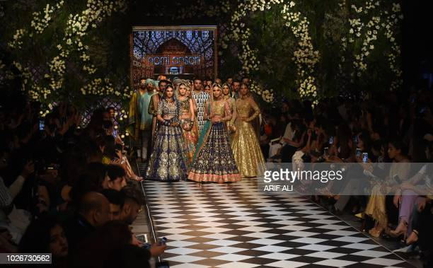 556 Pakistan Institute Of Fashion Design Photos And Premium High Res Pictures Getty Images