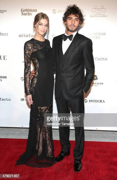 Models Samantha Gradoville and Marlon Teixeira arrive at the third annual BrazilFoundation Gala Miami at Perez Art Museum Miami on March 15 2014 in...
