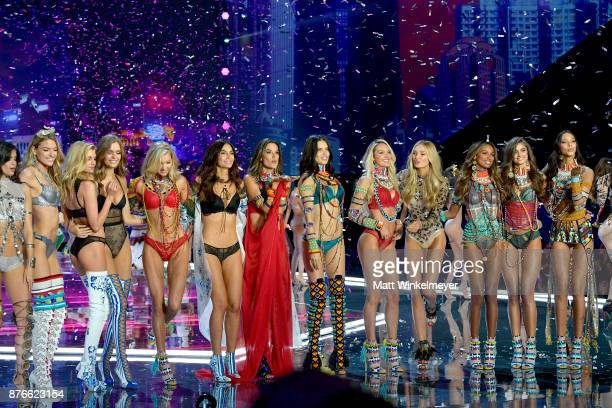 Models Sara Sampaio Martha Hunt Stella Maxwell Josephine Skriver Elsa Hosk Lily Aldridge Alessandra Ambrosio Adriana Lima Candice Swanepoel Romee...