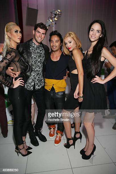 Models Shei Phan Ben Schreen photographer Yu Tsai models Mirjana Puhar and Lenox Tillman attend America's Next Top Model Cycle 21 premiere party...
