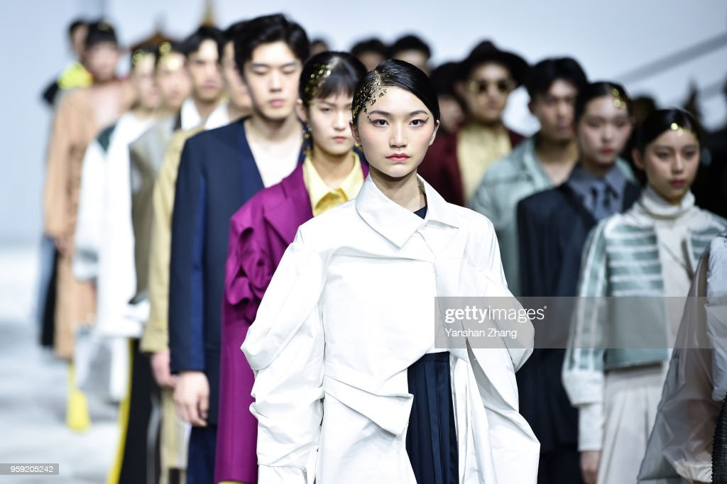 Models Showcases Designs On The Runway At The School Of Fashion News Photo Getty Images