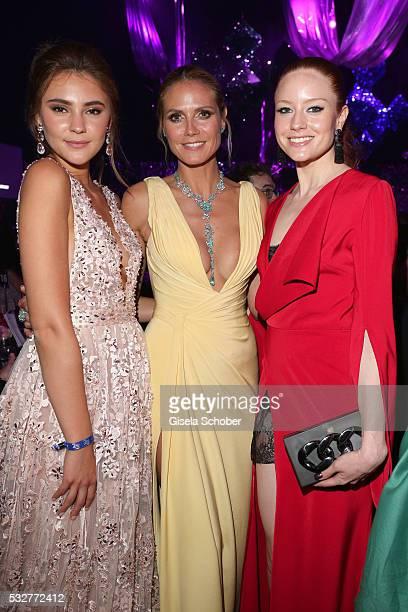 Models Stefanie Giesinger Heidi Klum and Barbara Meier attend the amfAR's 23rd Cinema Against AIDS Gala at Hotel du CapEdenRoc on May 19 2016 in Cap...