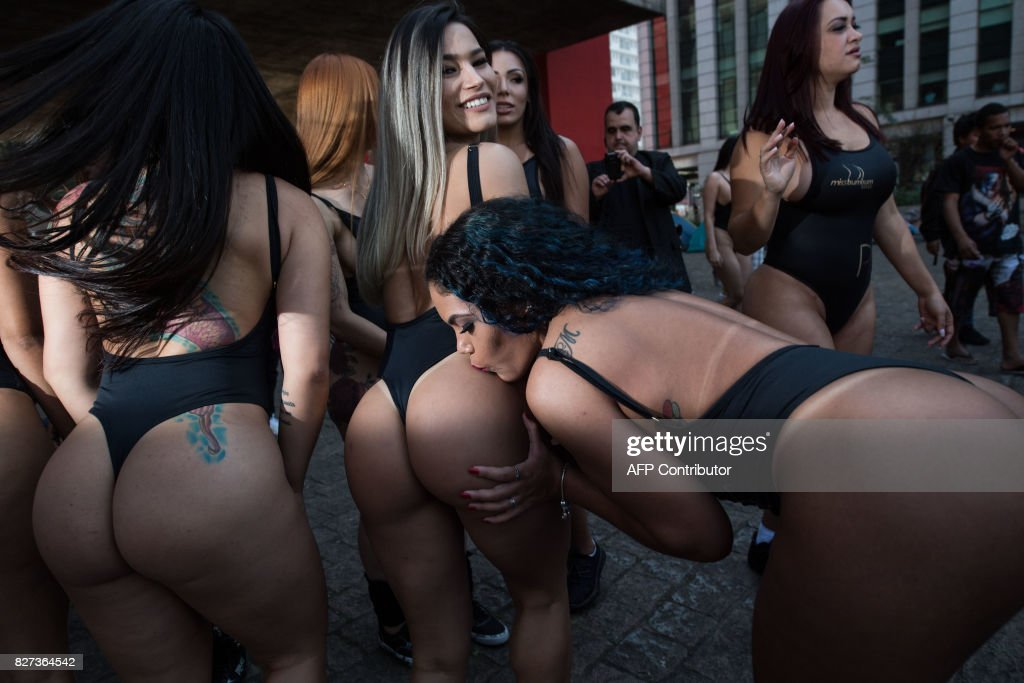 BRAZIL-LIFESTYLE-BEAUTY-MISS BUMBUM-OFFBEAT : Nachrichtenfoto