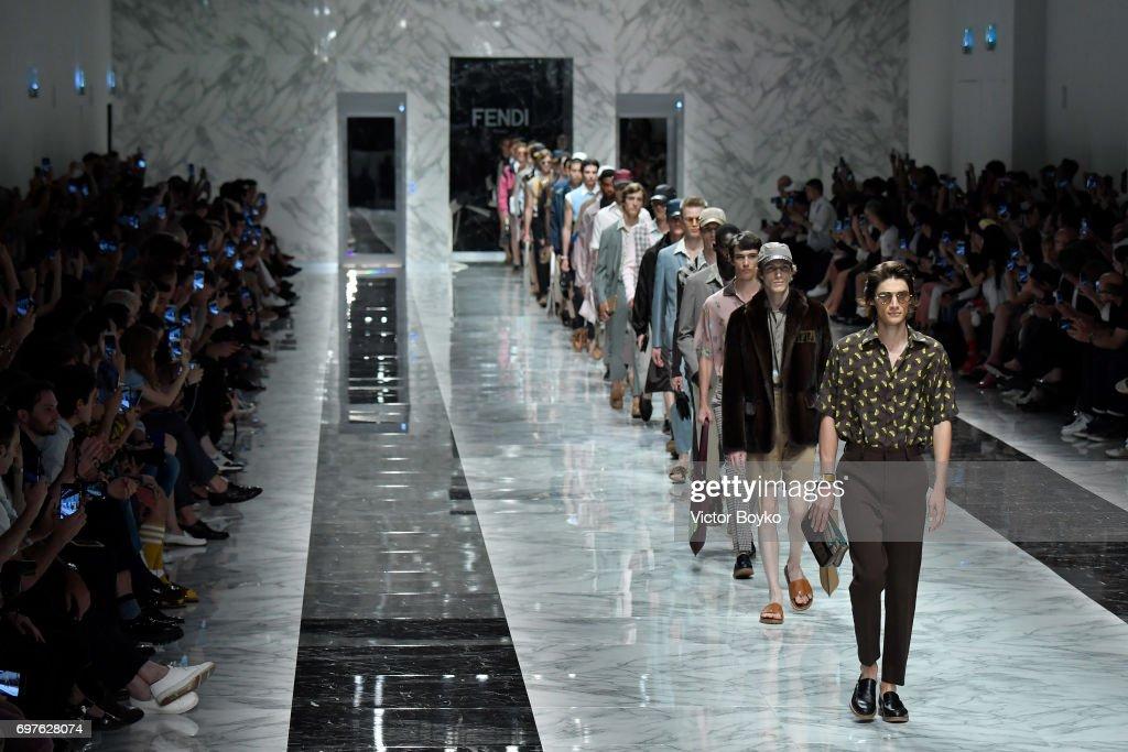 Fendi - Runway - Milan Men's Fashion Week Spring/Summer 2018 : ニュース写真