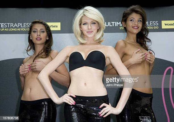 Models Unveil Wonderbra'S New Ultimate Strapless BraFive Models One Wearing New Revolutionary Bra The Others Using Their Hands To Do The Job Pose For...