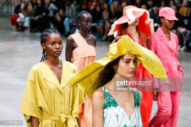 Models walk on the runway during the Issey Miyake Womenswear Spring/Summer 2020 show at Le 104 as part of Paris Fashion Week on September 27, 2019 in...