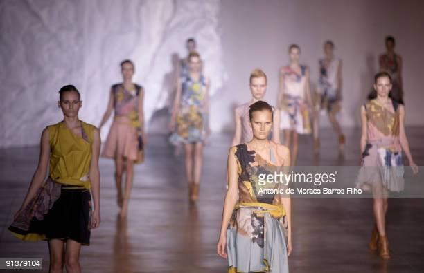 Models walk the runway at Cacharel Pret a Porter during Paris Womenswear Fashion Week Spring/Summer 2010 at Palais de Tokyo on October 3, 2009 in...