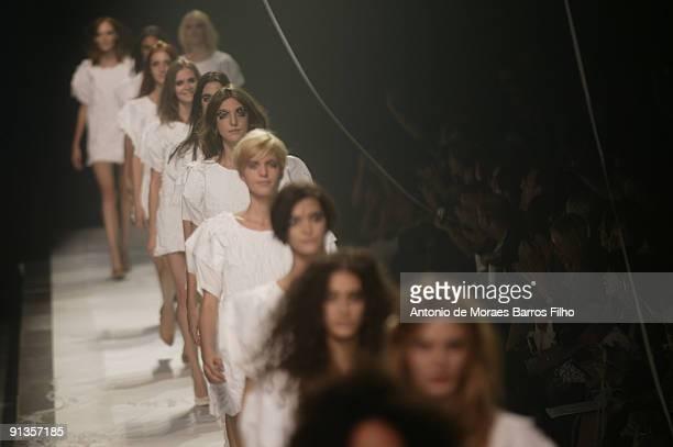 Models walk the runway at Maison Martin Margiela Pret a Porter during Paris Womenswear Fashion Week Spring/Summer 2010 on October 2, 2009 in Paris,...